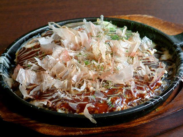 京とんちん亭イチオシのお好み焼 豚玉 780円
