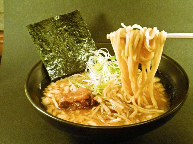 めん馬鹿ラーメン〈特製肉塊〉740円