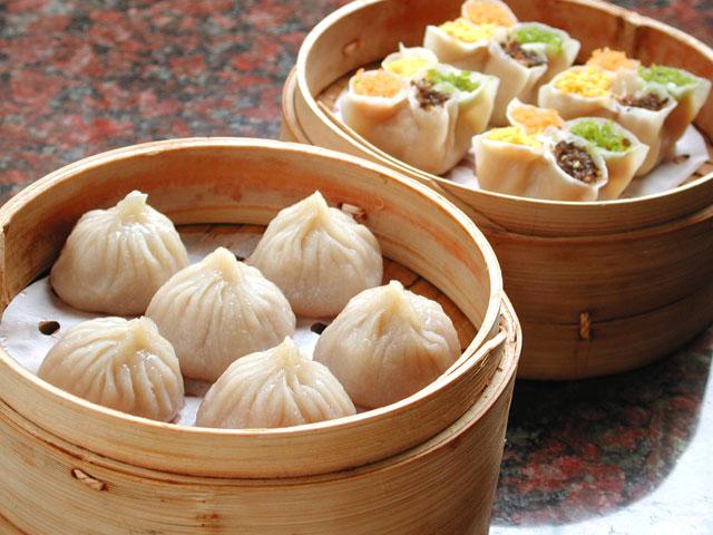 シェルに隣接する「小上海」では本格的な飲茶を堪能できます。